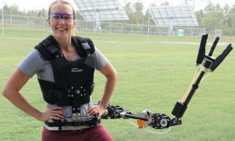راه چاره مهندسان روباتیک برای بالا بردن کارآیی انسان ، دست سوم شما را بی احتیاج می نماید