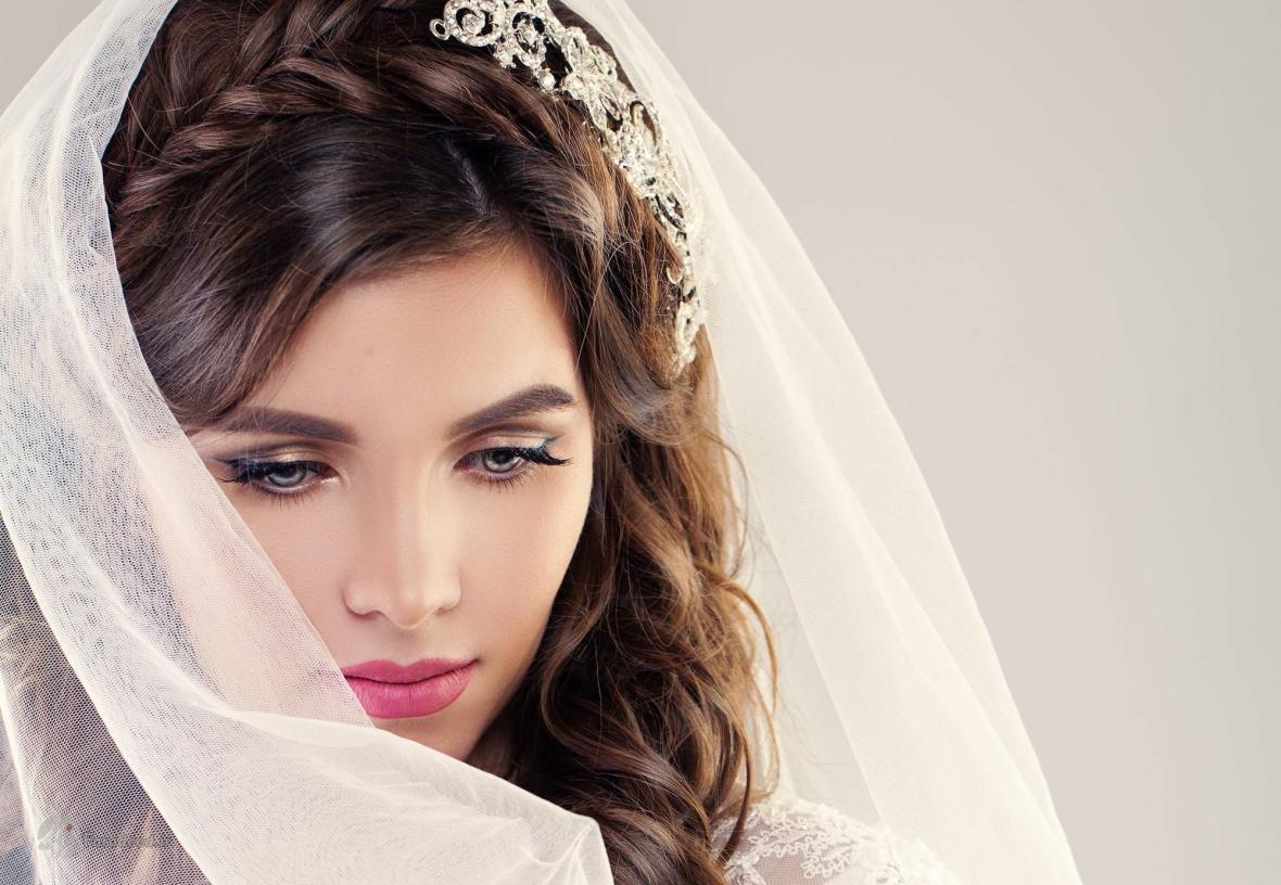 بهترین رنگ مو برای عروس؛ راهنمای انتخاب رنگ موی عروس