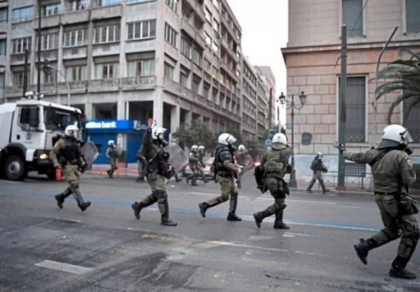 اعتراضات علیه خشونت پلیس در آتن به درگیری منجر شد